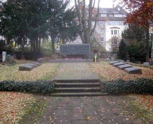 Fangelsbachfriedhof Mahnmal - Gerd Leibrock - CC BY-SA 3.0