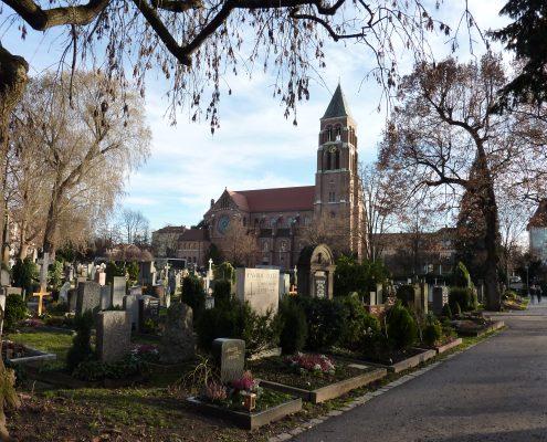 Uff-Kirchhof Friedhof-Blick ueber den Ufffriedhof-Xocolatl